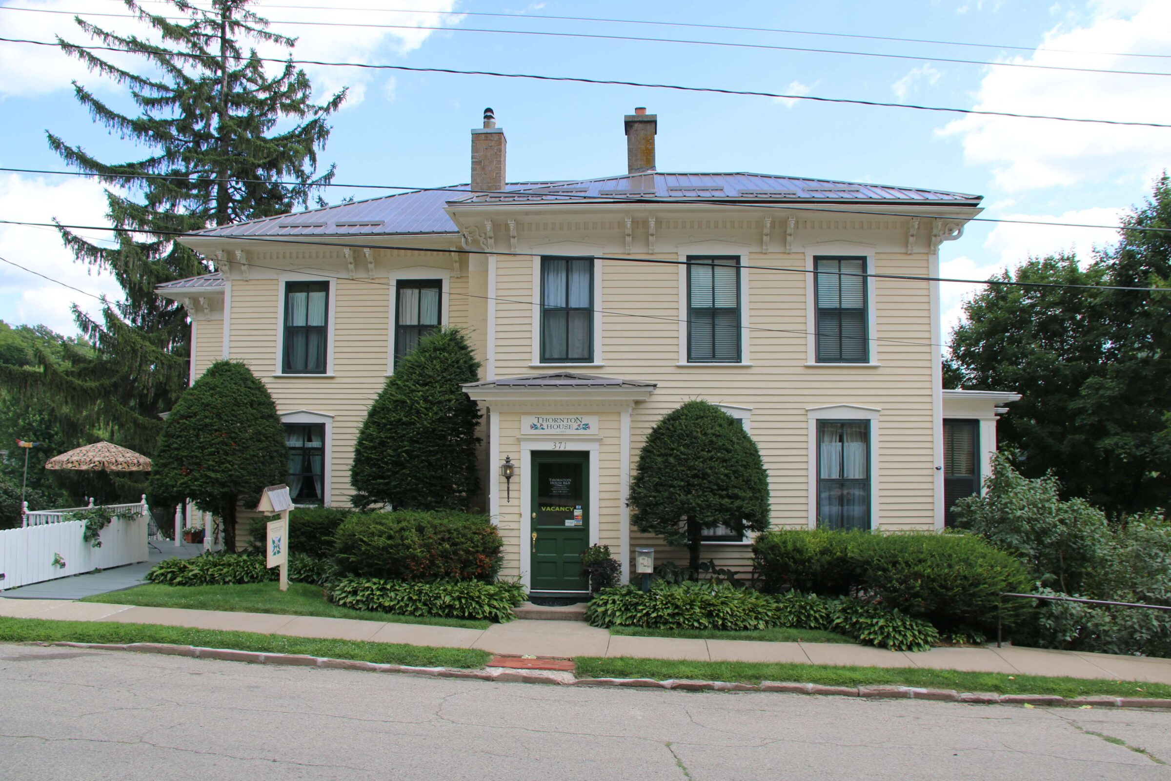 Thornton Bed And Breakfast